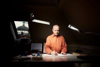 George-Benjamin-at-writing-desk-credit-Matthew-Lloyd-edited Rezised